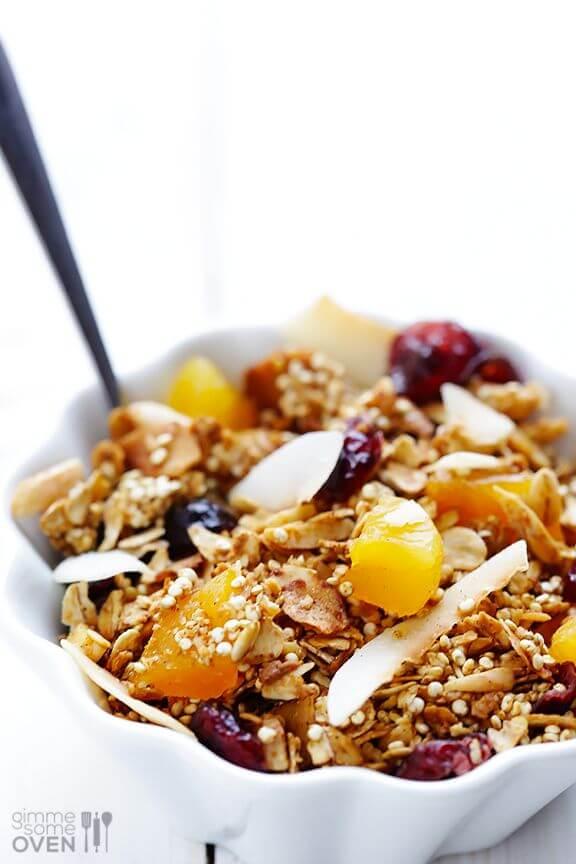 Quinoa Granola | gimmesomeoven.com