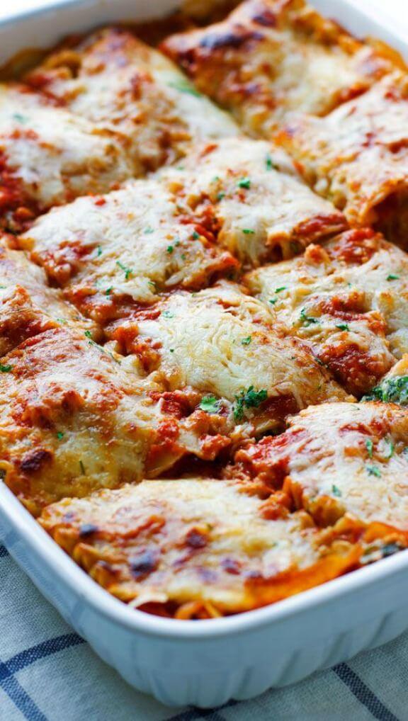 Skinny Mushroom Spinach Lasagna | littlespicejar.com