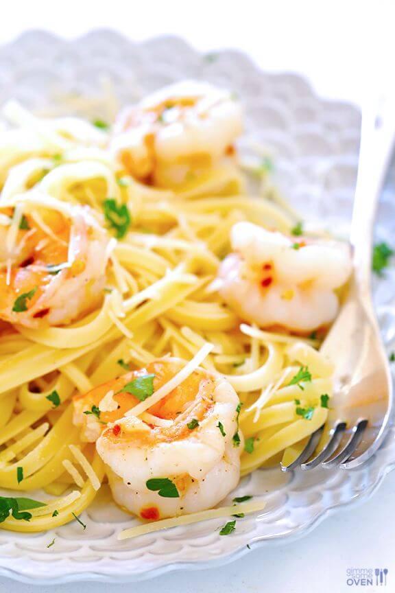 15-Minute Skinny Shrimp Scampi | gimmesomeoven.com