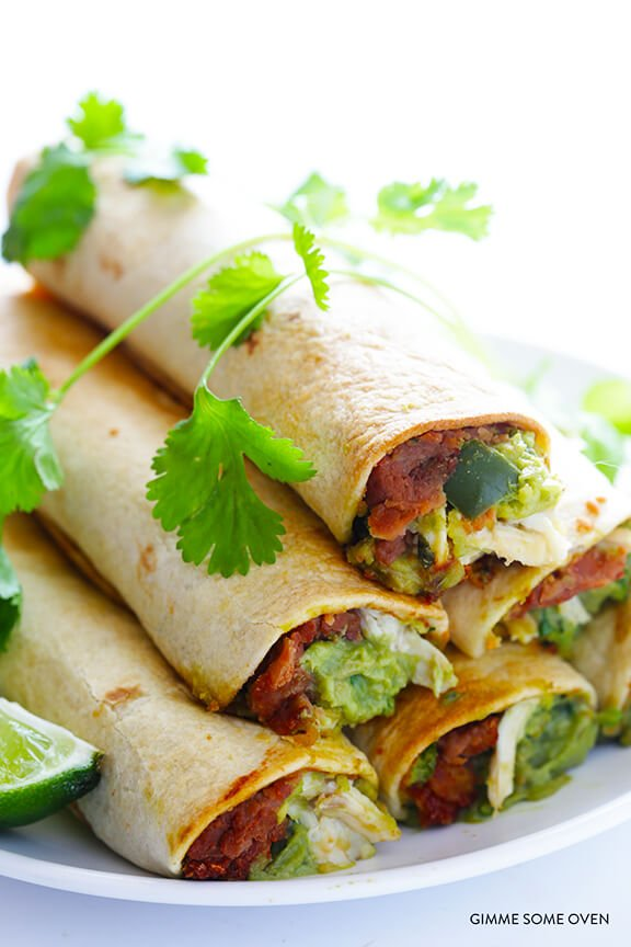 5-Ingredient Chicken Guacamole Taquitos Recipe | gimmesomeoven.com
