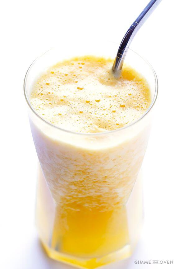 5-Ingredient Fresh Orange Smoothie (Orange Julius Copycat) | gimmesomeoven.com