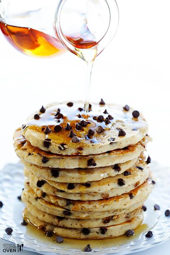 Guiltless Chocolate Chip Pancakes | gimmesomeoven.com