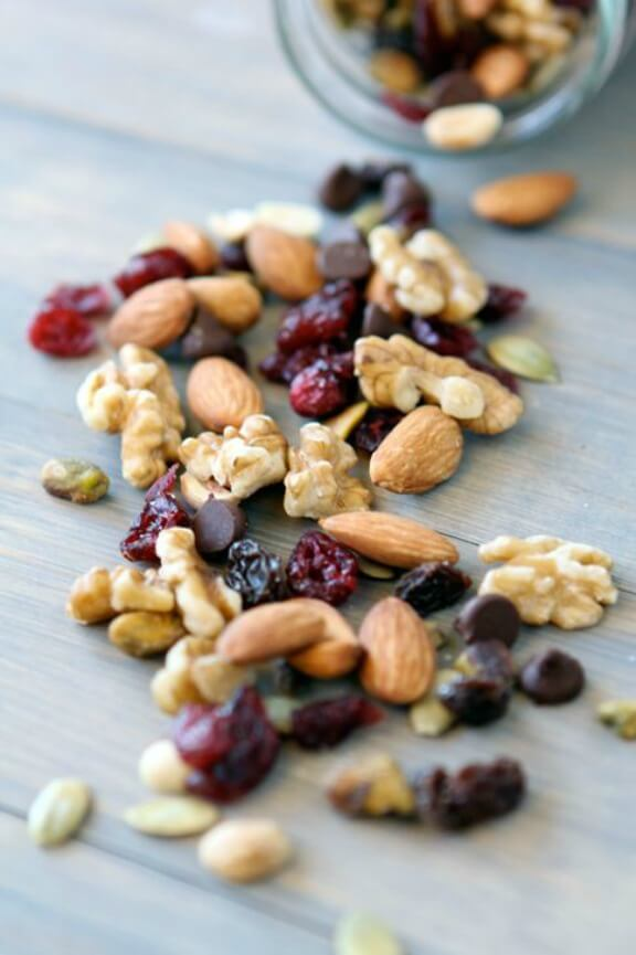 Healthy Trail Mix | withstyleandgraceblog.com