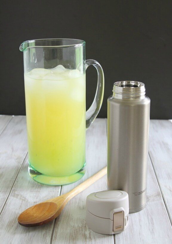 Homemade Sports Drink | runningtothekitchen.com