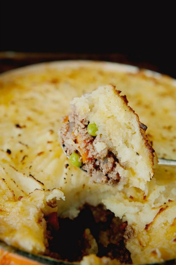 Shepherd's (or Cottage) Pie | thekitchykitchen.com