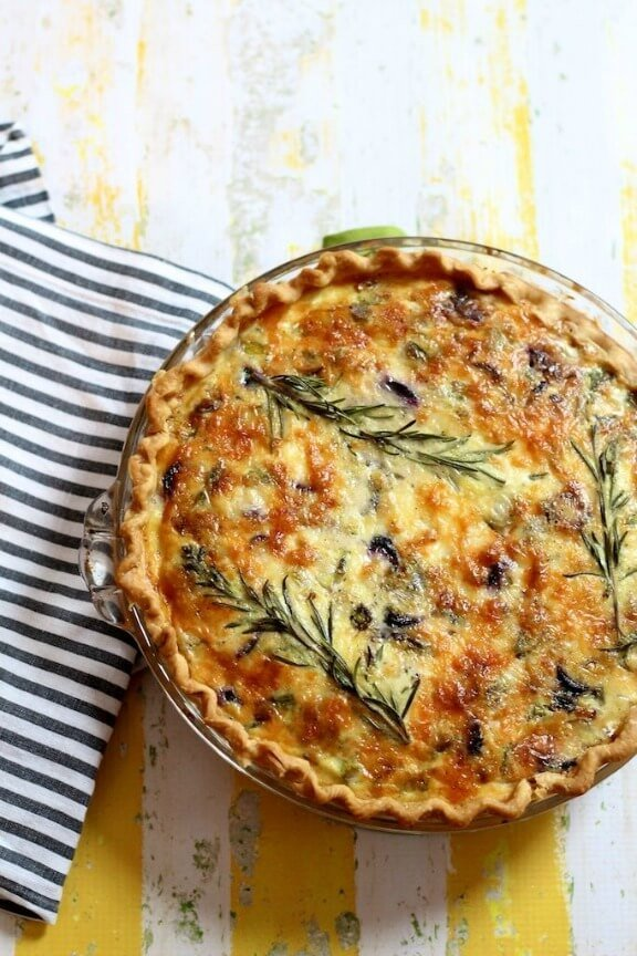 Asparagus, Leek and Purple Carrot Quiche | glossymusings.com
