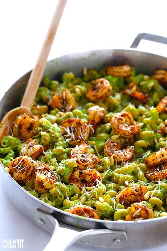 Asparagus Spinach Pesto Pasta with Blackened Shrimp | gimmesomeoven ...