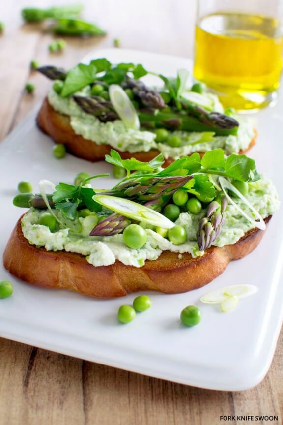 Fresh Pea and Ricotta Tartines with Spring Vegetables | forkknifeswoon.com