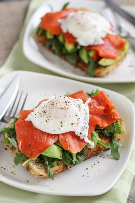 Smoked Salmon and Avocado Egg Sandwich | onceuponacuttingboard.com