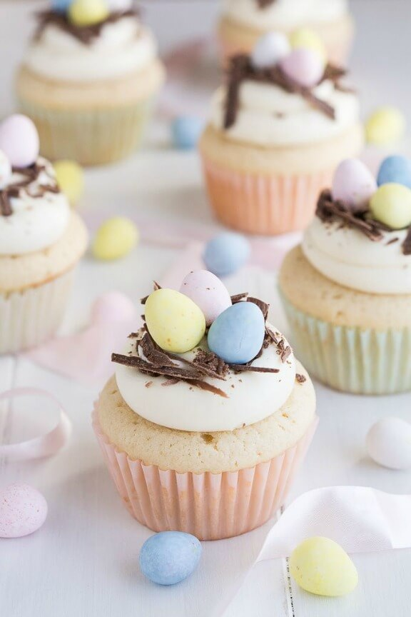 White Chocolate Easter Egg Cupcakes | garnishandglaze.com