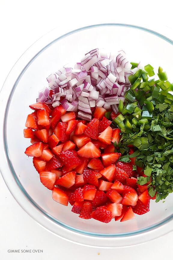 5-Ingredient Strawberry Salsa   gimmesomeoven.com