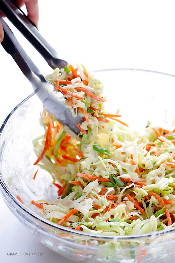 Greek Yogurt Coleslaw -- the classic coleslaw we all love, lightened up with Greek yogurt instead of mayo and ready to go in 5 minutes! | gimmesomeoven.com