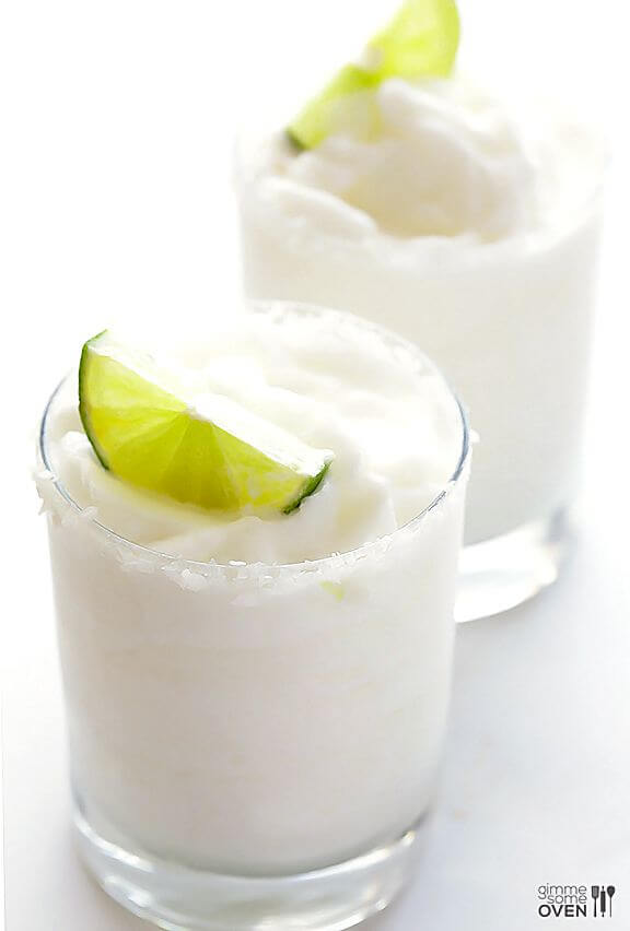 Coconut Margarita | gimmesomeoven.com
