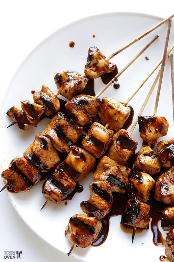 Easy Balsamic Chicken Skewers | gimmesomeoven.com