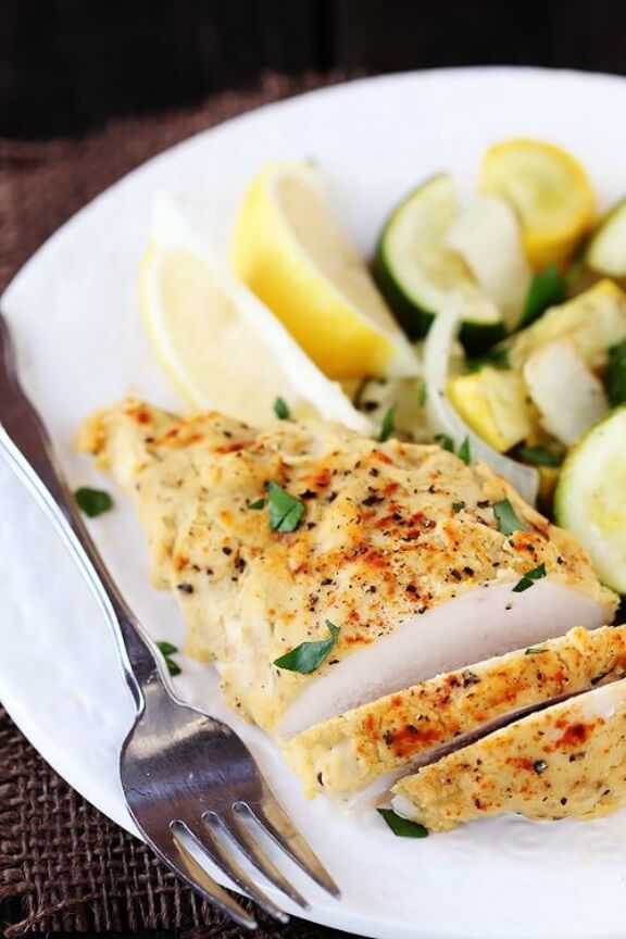 Hummus-Crusted Chicken | gimmesomeoven.com
