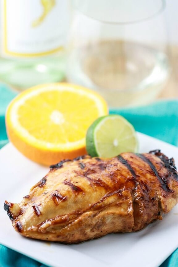 Pinot Grigio Chicken with Honey Citrus Glaze | eatliverun.com