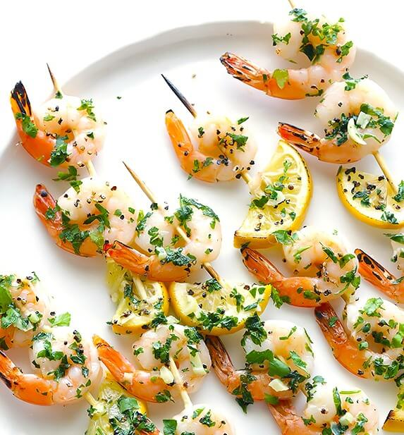 Shrimp Scampi Skewers | gimmesomeoven.com