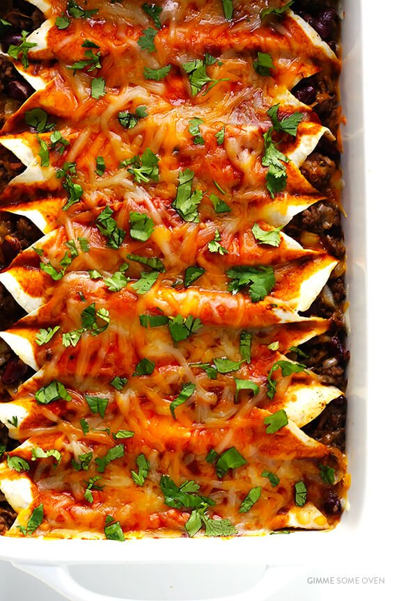 Beef Enchiladas -- easy to make, and MUY delicioso! | gimmesomeoven.com