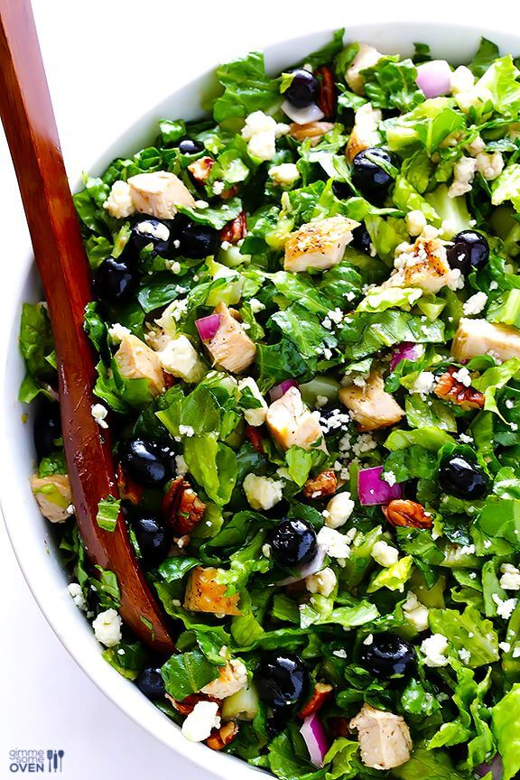 Blueberry Chicken Chopped Salad | gimmesomeoven.com