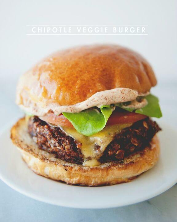Chipotle Veggie Burger | thekitchykitchen.com