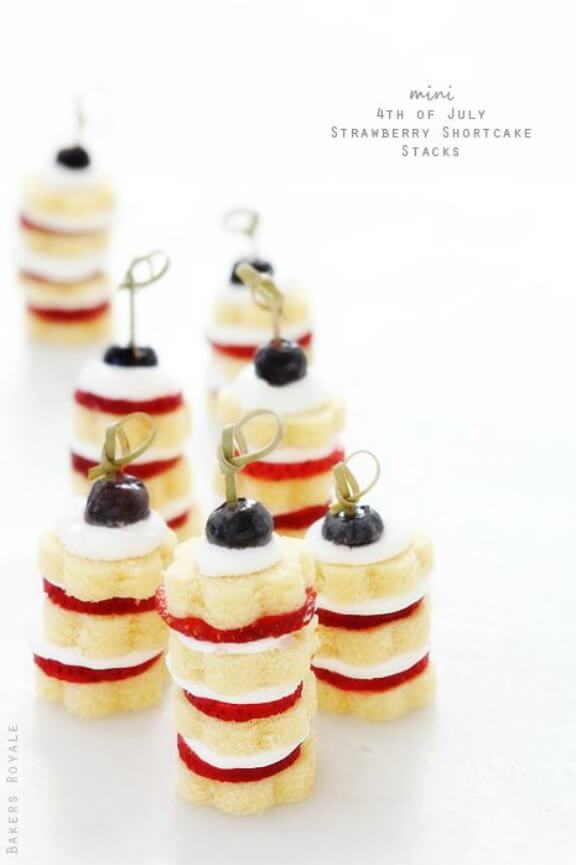 Mini Strawberry Short Cakes | bakersroyale.com