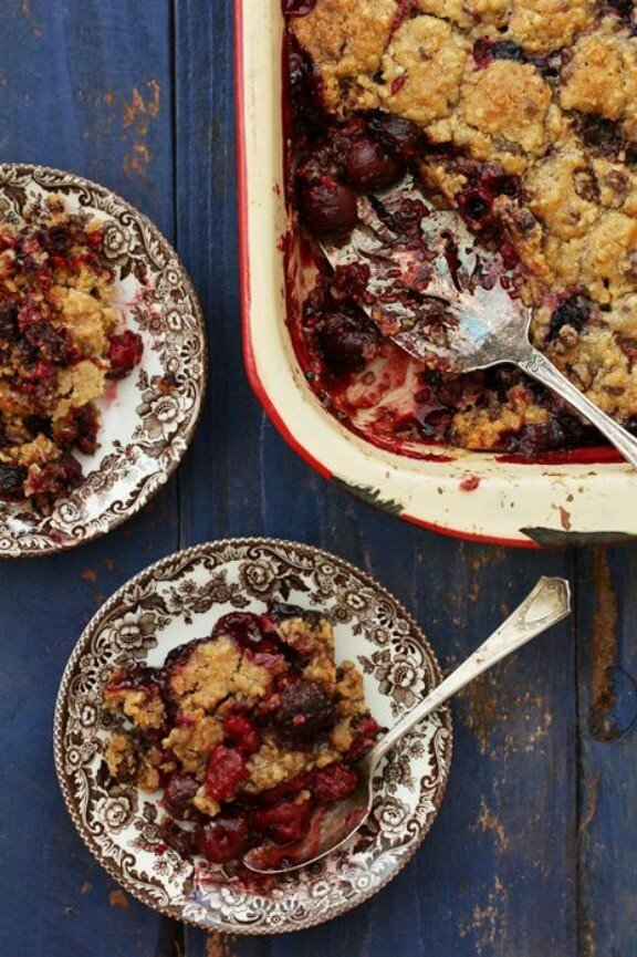 Mixed Berry Crumble | bakersroyale.com