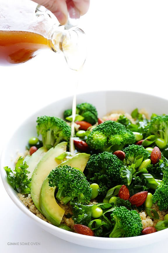 Easy Superfood Quinoa Bowl -- full of delicious superfoods, and topped with almonds and a sesame vinaigrette   gimmesomeoven.com