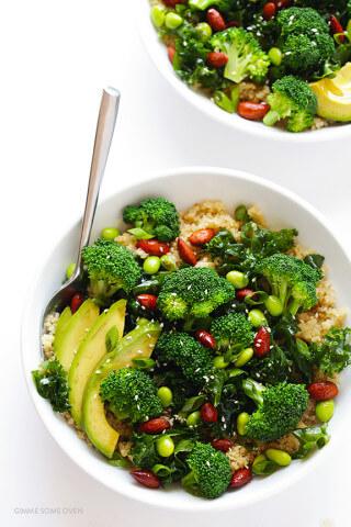 Easy Superfood Quinoa Bowl | gimmesomeoven.com