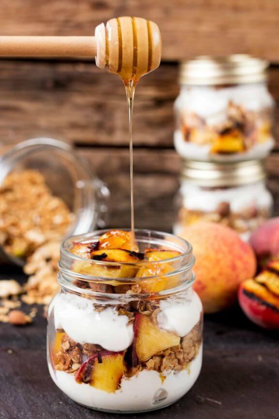 Grilled Peach Breakfast Parfait | kitchensanctuary.com