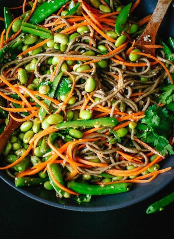 Sugar Snap Pea and Carrot Soba Noodles | cookieandkate.com