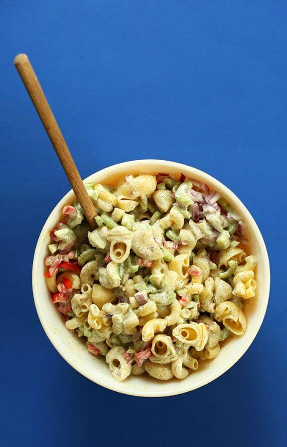 Vegan Macaroni Salad | minimalistbaker.com