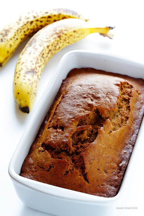 This banana bread recipe is naturally-sweetened with maple syrup, easy to make, and SO moist and delicious | gimmesomeoven.com