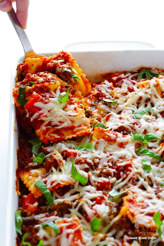 Super-Easy Ravioli Lasagna -- quick and easy to prep, and full of the delicious lasagna flavors we all love!   gimmesomeoven.com