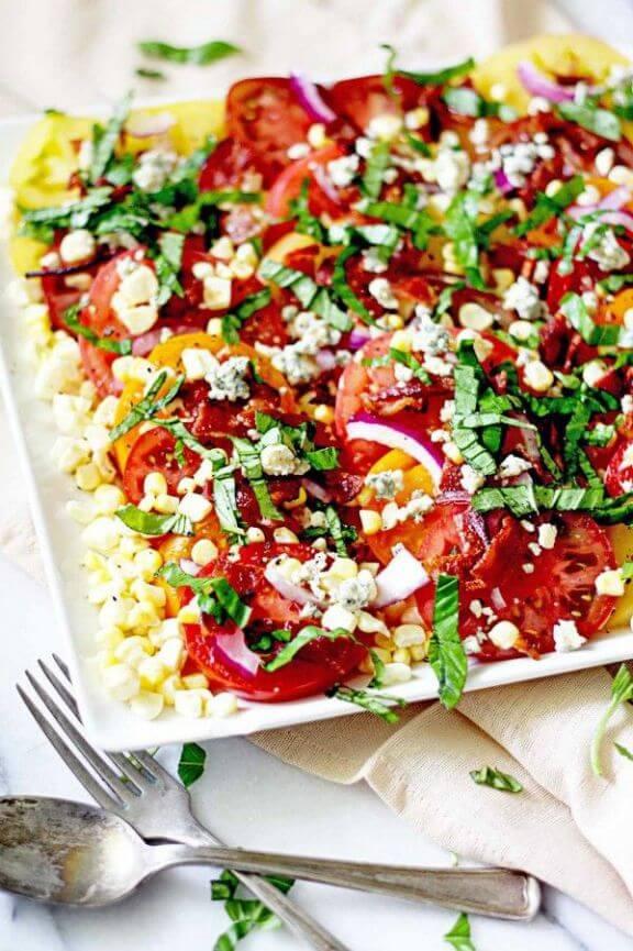 Heirloom Tomato and Bacon Summer Salad | insockmonkeyslippers.com
