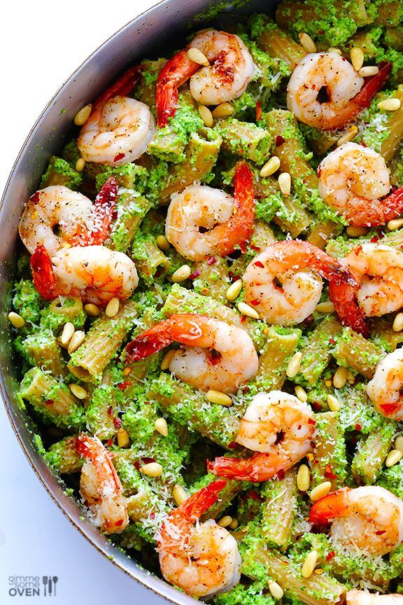 Shrimp Pasta with Broccoli Pesto | gimmesomeoven.com