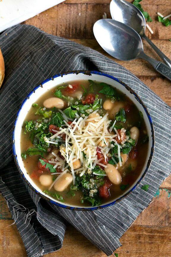 (Slow Cooker) Quinoa, White Bean and Kale Soup | chelseasmessyapron.com
