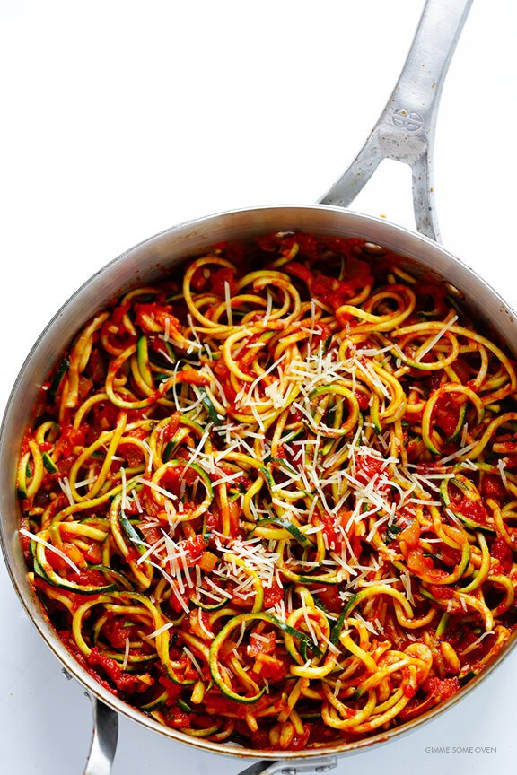 Zoodles Marinara (Zucchini Noodles with Chunky Tomato Sauce) -- easy to make, and SO delicious! | gimmesomeoven.com