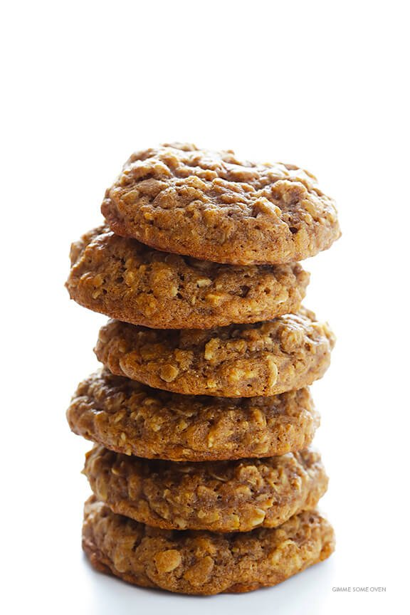 Whole Wheat Oatmeal Cookies Recipe -- soft, chewy, easy to make, and SO delicious! | gimmesomeoven.com