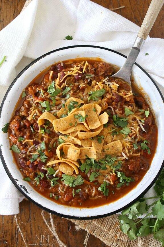Slow Cooker Pumpkin Chili | nutmegnanny.com