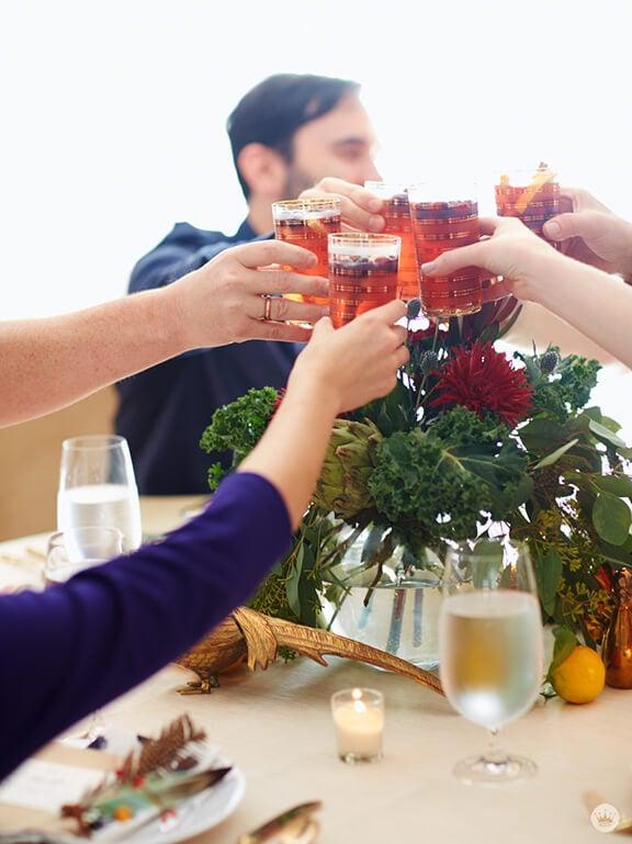Friendsgiving | gimmesomeoven.com and thinkmakeshareblog.com