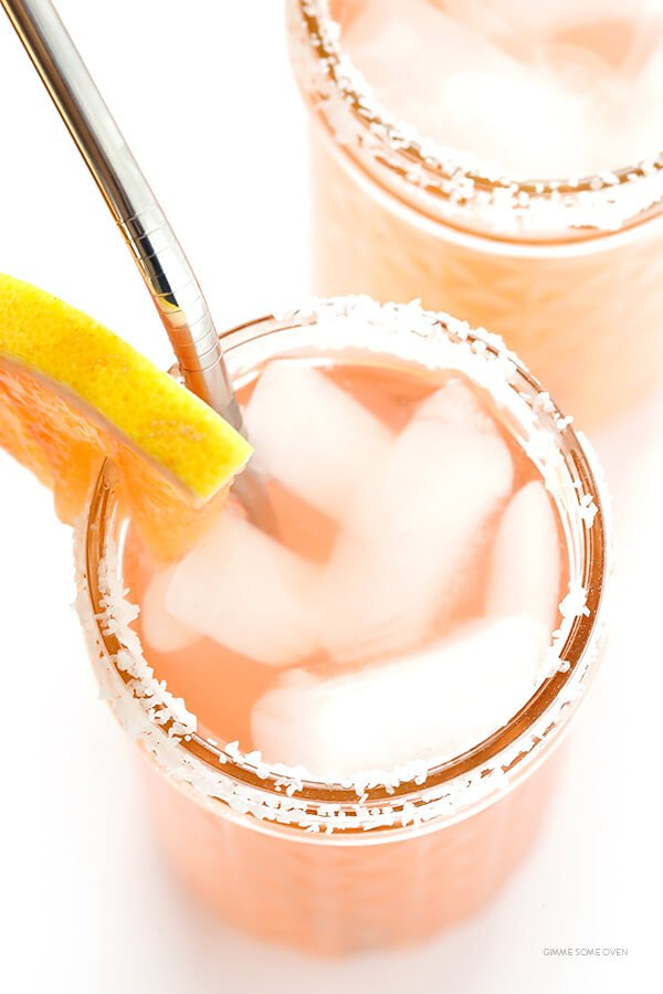 Grapefruit Margaritas -- so fresh and easy to make with just a few ingredients | gimmesomeoven.com