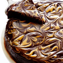 Peanut Butter Flourless Chocolate Cake -- made with just 4 easy ingredients, and so rich and delicious! | gimmesomeoven.com