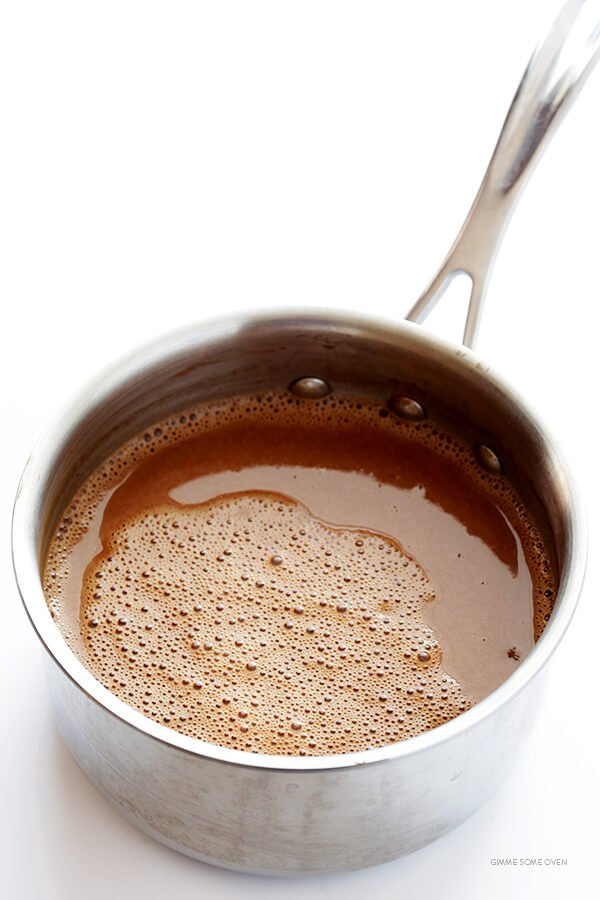 Cashewmilk Hot Chocolate -- made with rich and creamy cashewmilk, naturally dairy-free, quick and easy to make, and SO delicious! | gimmesomeoven.com
