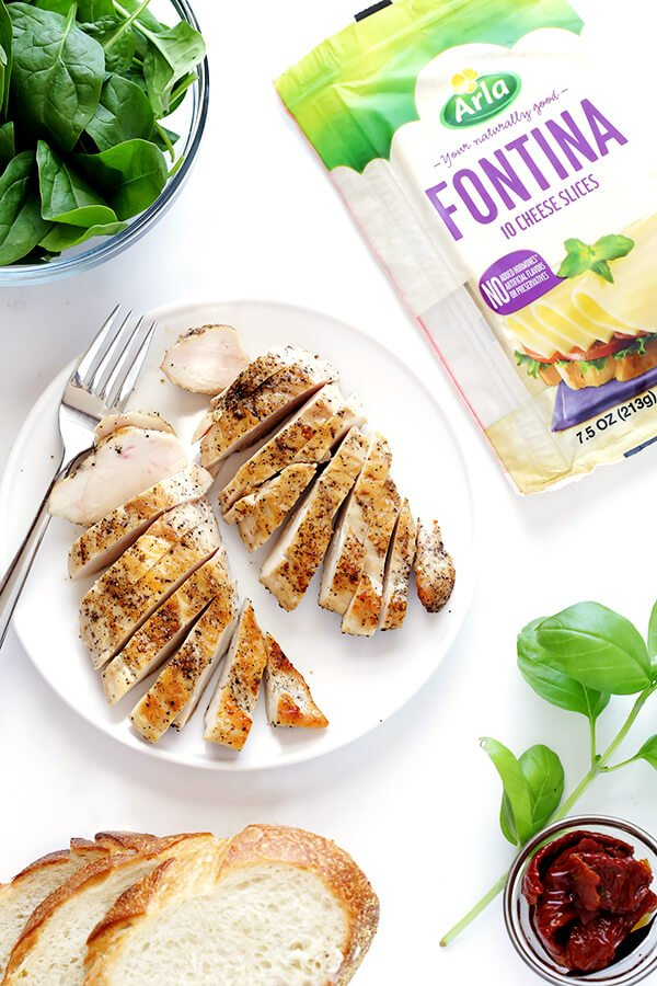 Chicken Florentine Grilled Cheese -- quick and easy to make, and so delicious! | gimmesomeoven.com