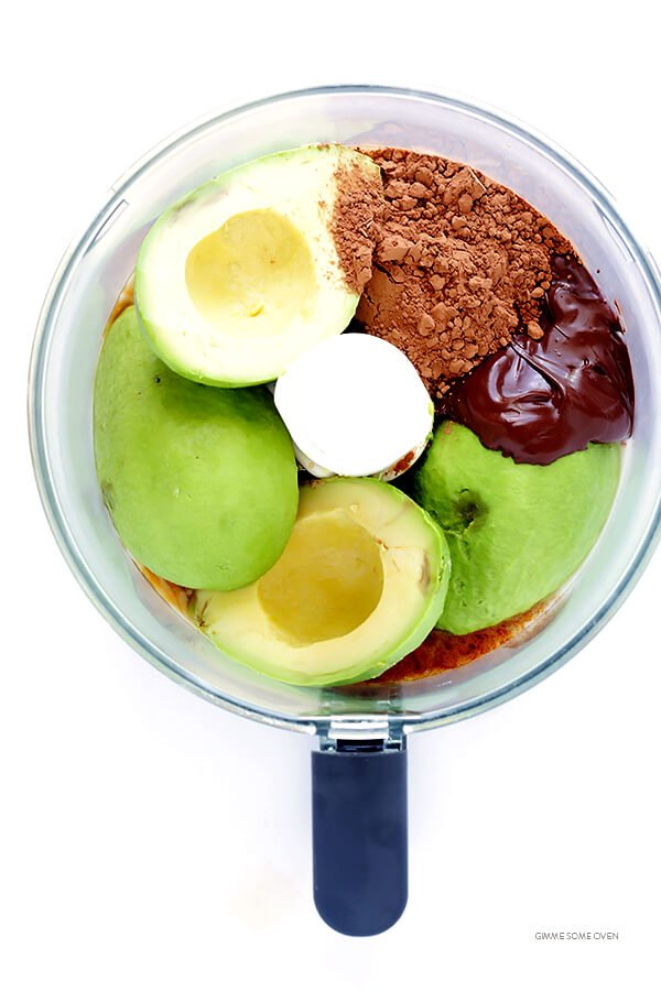 Dark Chocolate Avocado Mousse -- quick and easy to make with healthier, everyday ingredients. Plus it's also naturally gluten-free, vegan, and absolutely delicious! | gimmesomeoven.com