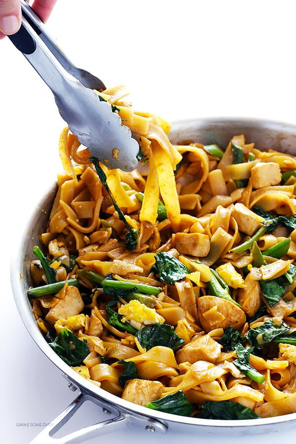 Pad See Ew -- this Thai dish is quick and easy to make at home, and easy to customize with your favorite protein | gimmesomeoven.com