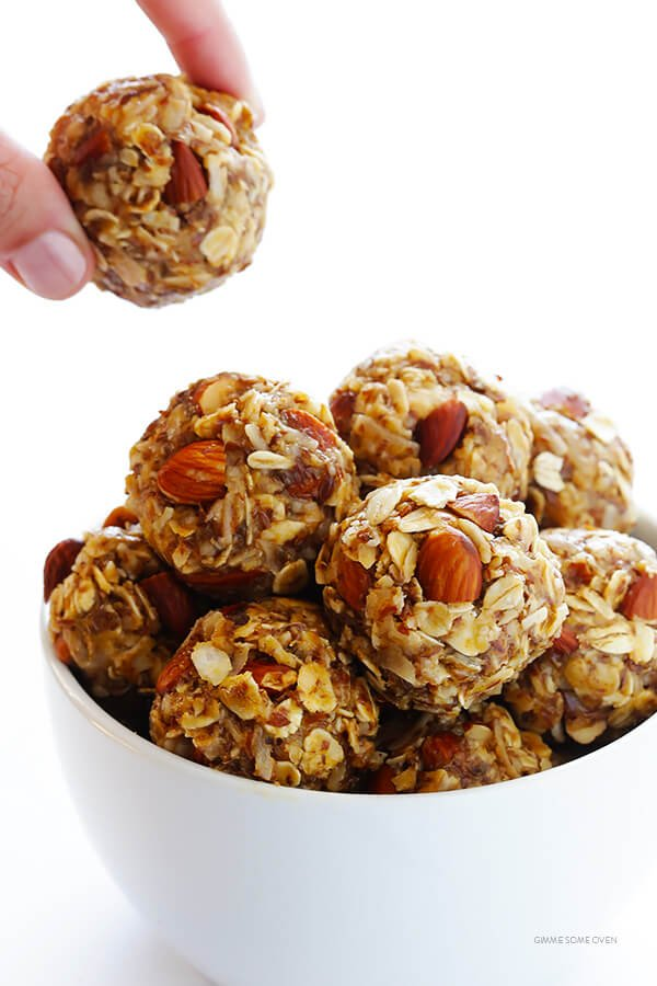 Sweet and Salty No-Bake Energy Bites -- packed with protein, and absolutely delicious! Perfect for breakfast, a snack, or even a healthier dessert. | gimmesomeoven.com