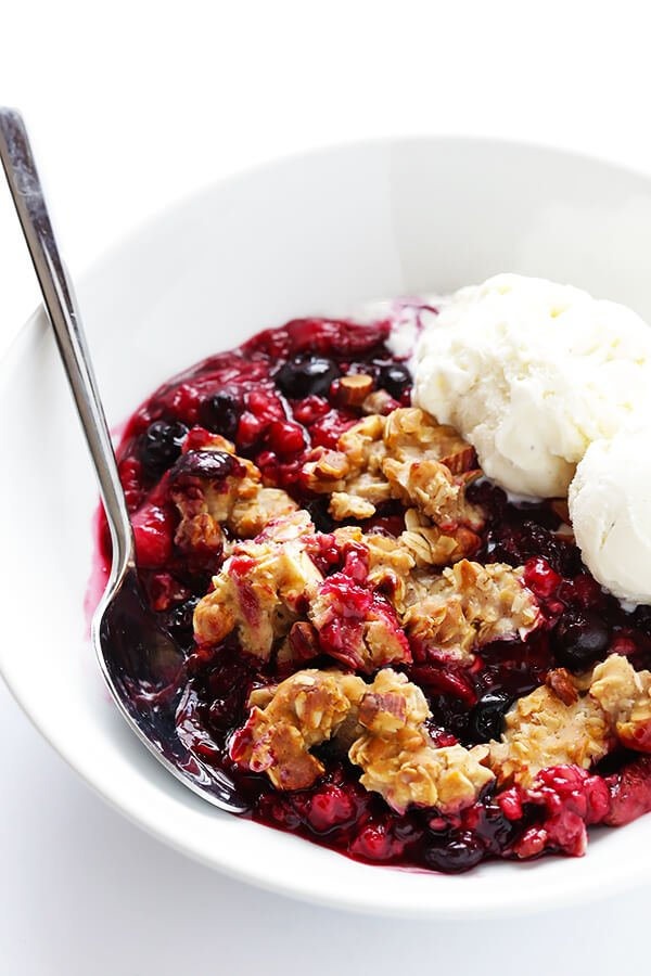 Mixed Berry Almond Crisp -- easy to make with any fresh berries you have on hand, and SO delicious and perfect for summer! (Gluten-free + Vegetarian + Vegan) | gimmesomeoven.com