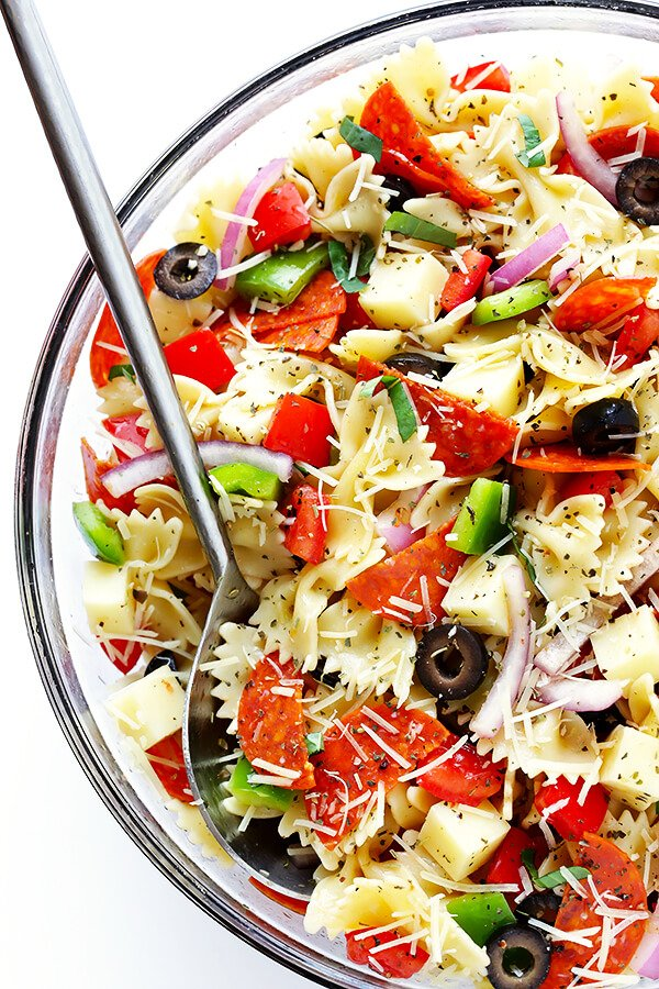 This Pizza Pasta Salad Recipe Is Quick And Easy To Make It S Tossed With A