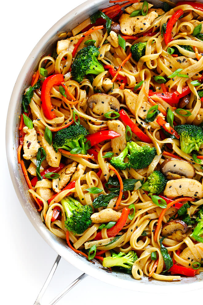 This 30-Minute Chicken Noodle Stir-Fry recipe is super easy to make, and SO delicious! | gimmesomeoven.com